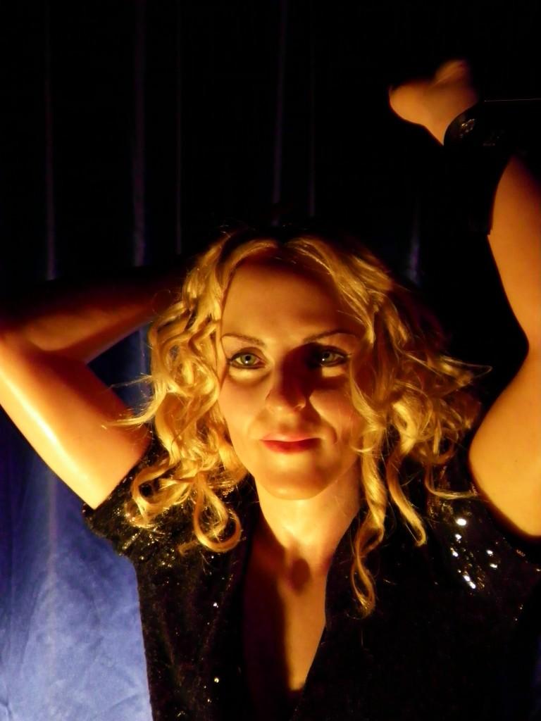 Istanbul-Balmumu-Heykel-Müzesi-Madonna-Picture-3.jpg