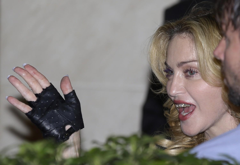 Cher aylar sonra Madonna'nın Grill'i...
