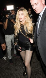 20150505-pictures-madonna-met-gala-after-party-rihanna-04