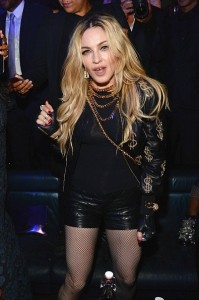 20150505-pictures-madonna-met-gala-after-party-rihanna-06