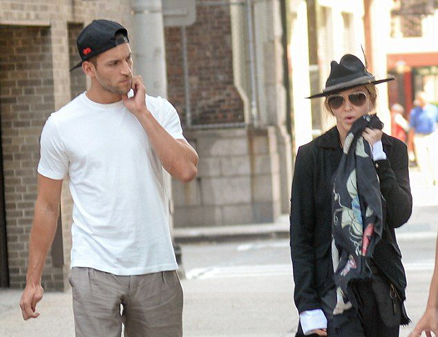 20150712-pictures-madonna-out-and-about-new-york-01