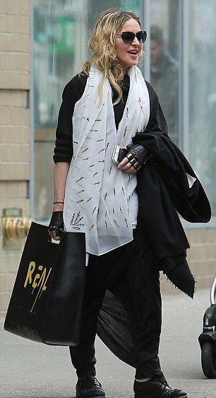 Madonna New York'ta görüntülendi. 1 Nisan 2016