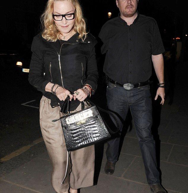 Madonna, Malawi ziyaretinden sonra Londra'da görülendi. 14 Temmuz 2016