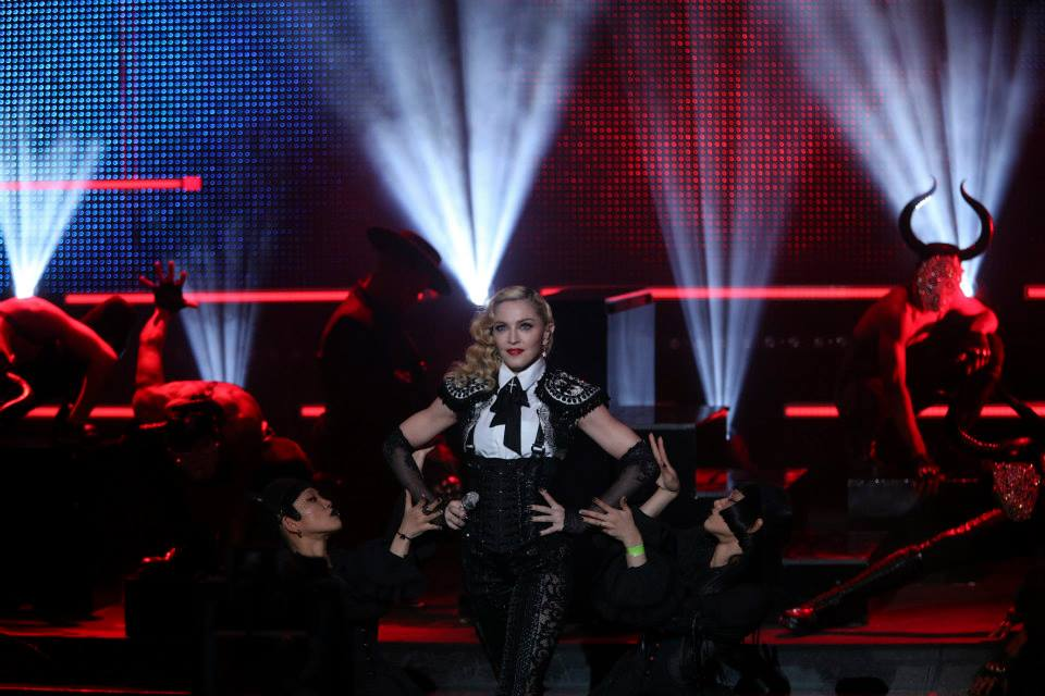 Madonna – Living For Love – Live du Grand Journal 720P HD WATCH