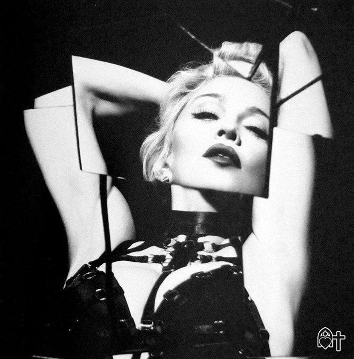 3. tekli Bitch I'm Madonna