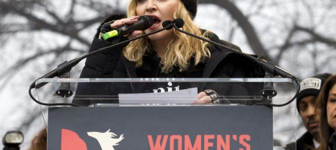 CNN,  Madonna'nın konuşmasını yarıda kesti.