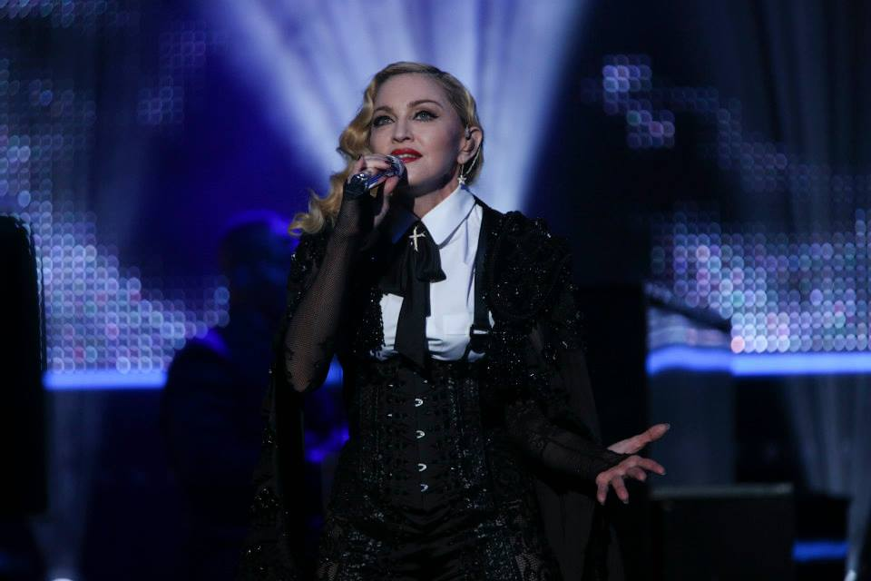 Madonna – Ghosttown – Live du Grand Journal 720P HD WATCH
