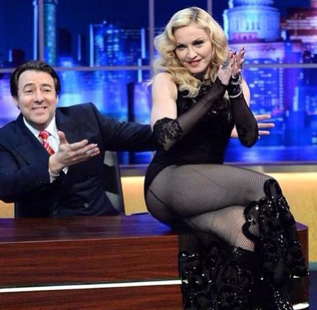 Madonna – Ghosttown (ITV HD 1080i – The Jonathan Ross Show)