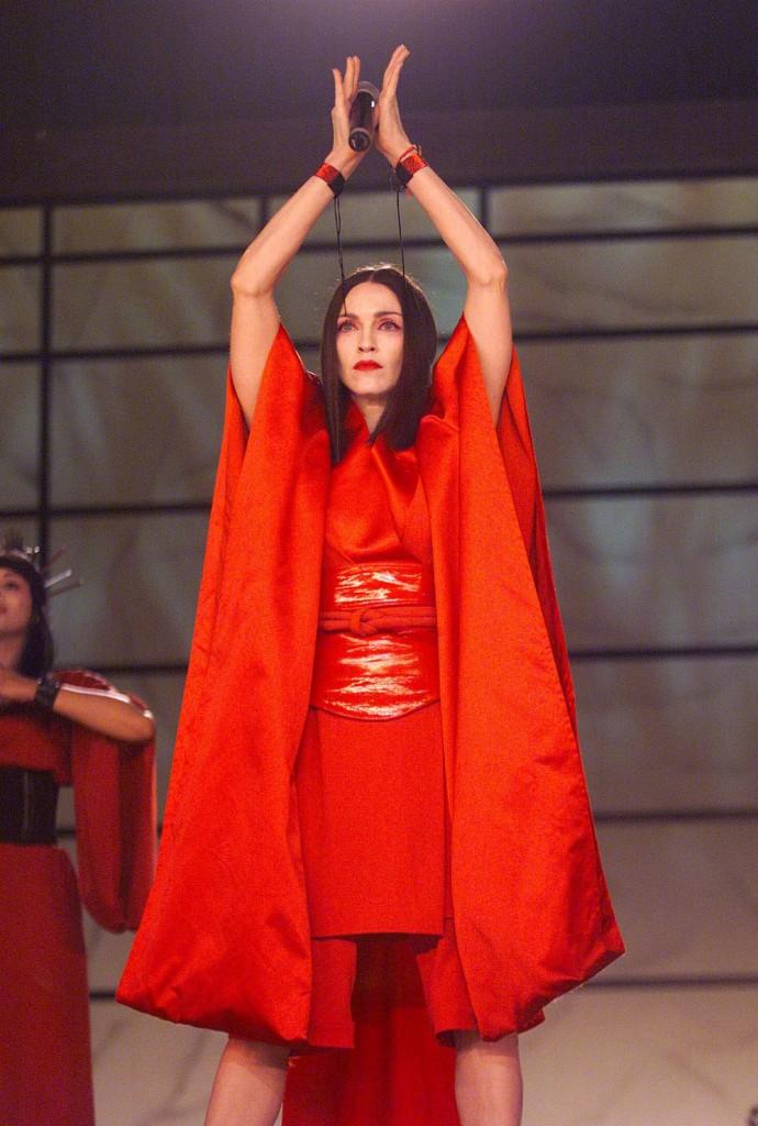 Madonna 1999 yılında 4 grammy aldı.