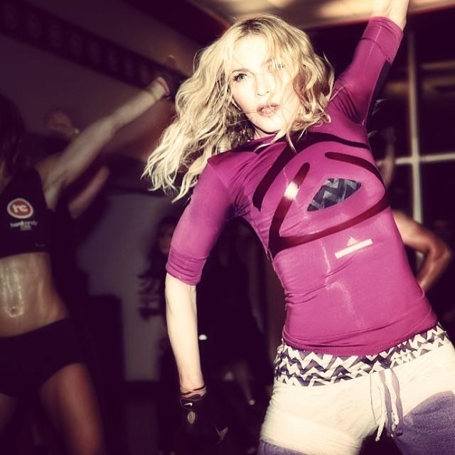 Madonna, Istagram'da Hard Candy Fitness Toronto'da spor yaptığı bir fotoğrafını paylaştı.