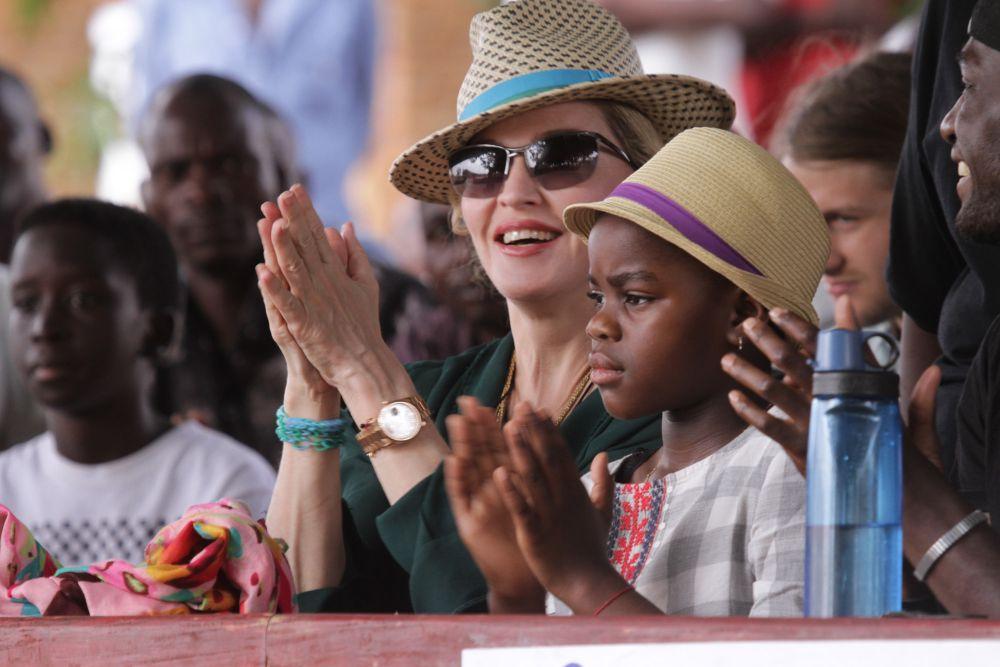 Madonna Malawi'de 300 okul daha yaptıracak