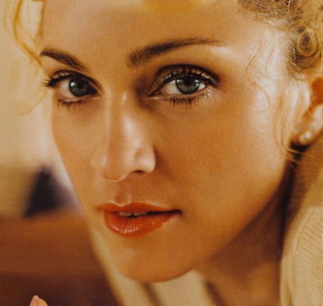 Madonna Natalia Kills ve Martin Kierszenbaum ile stüdyoda