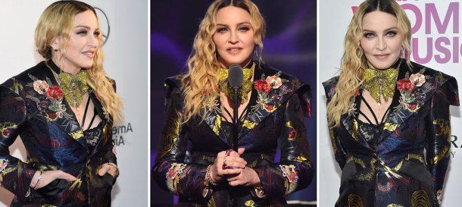 """Pop müziğin kraliçesi Madonna, Billboard """"Women in Music"""" gecesinde """"Yılın Kadını"""" ödülünü aldı."""