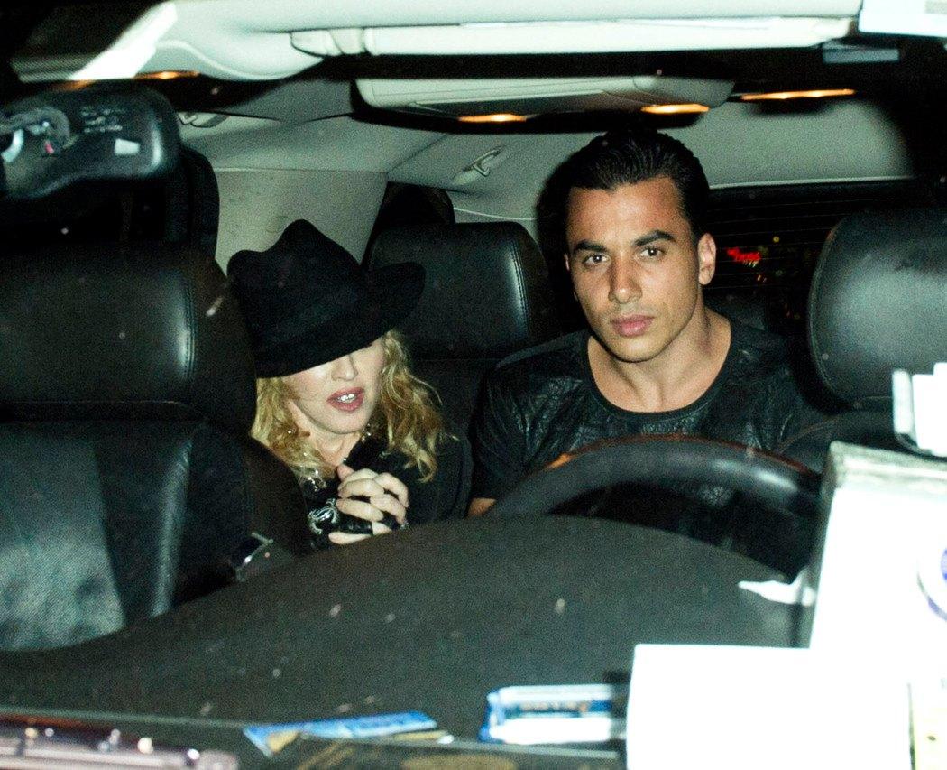 Madonna Tupac Müzikaline katıldı. 16.06.2014