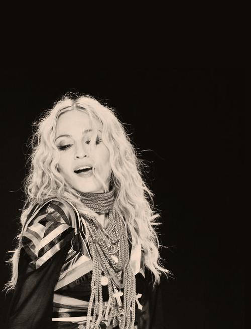 Madonna OneRepublic'ten Ryan Tedder ile çalışıyor