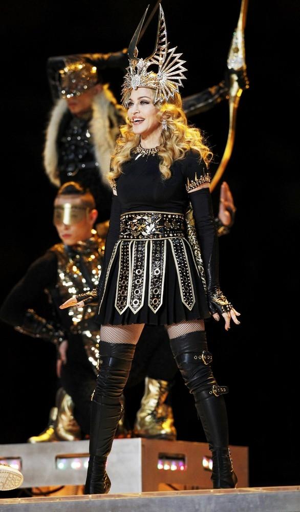 Madonna yeni albümünü MDNA'yı çıkarmadan önce Aralık 2011'de Indianapolis'teki Lucas Oil Stadium'da Super Bowl XLVI'in devre arası gösterisinde performans sergiledi. Madonna'nın bu performansı A.B.D' de 114 milyon izleyiciyle tüm zamanların en çok izlenen Super Bowl devre arası gösterisi rekorunu kırdı.