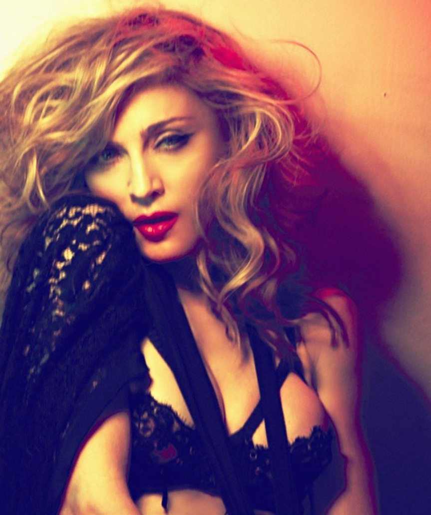 Madonna – Revolver (MDNA Tour- ft. Lil Wayne Rap Visual Backdrop)