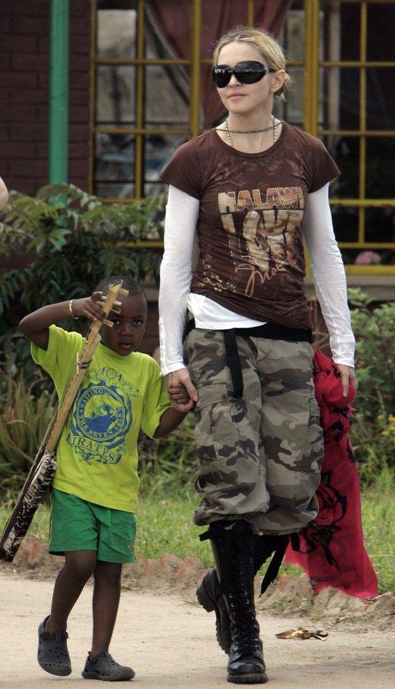Madonna'nın Malawi'deki yardım çalışmaları riske mi atıldı