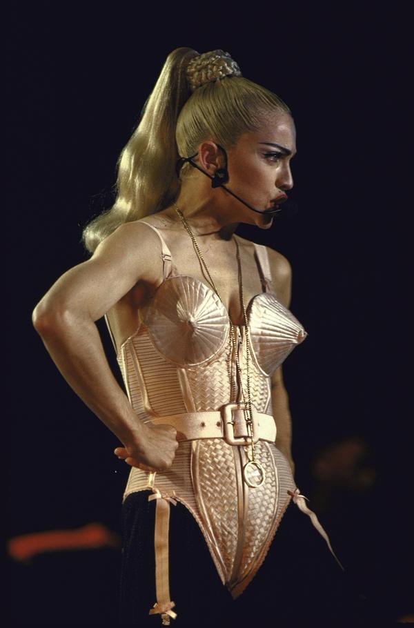 Madonna Şarkısını Sızdıranlara Kızdı