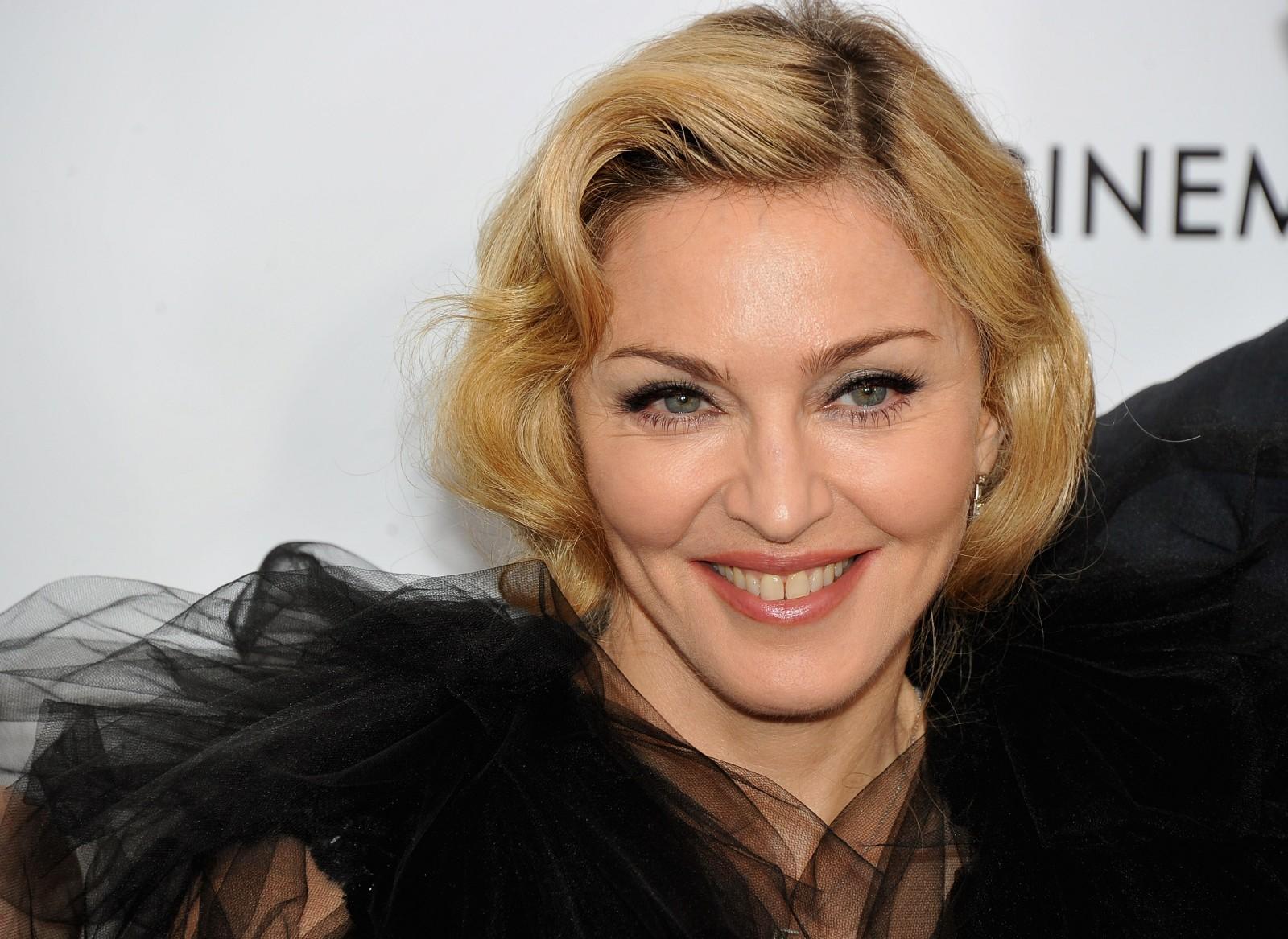 Madonna yeniden Guinness Rekorlar Kitabı'nda!
