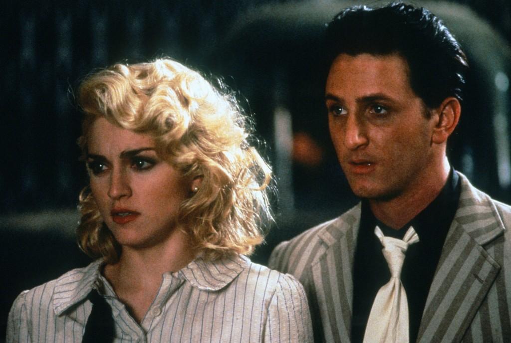 Shangai Surprise filminde Madonna ve Sean Pean başrolleri paylaştı.