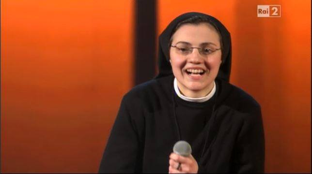 "Sister Cristina'dan ""Like a Virgin"""