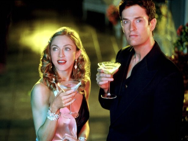 The Next Best Thing filminde Madonna başrolünü ünlü oyunucu Rupert Everett ile paylaştı.