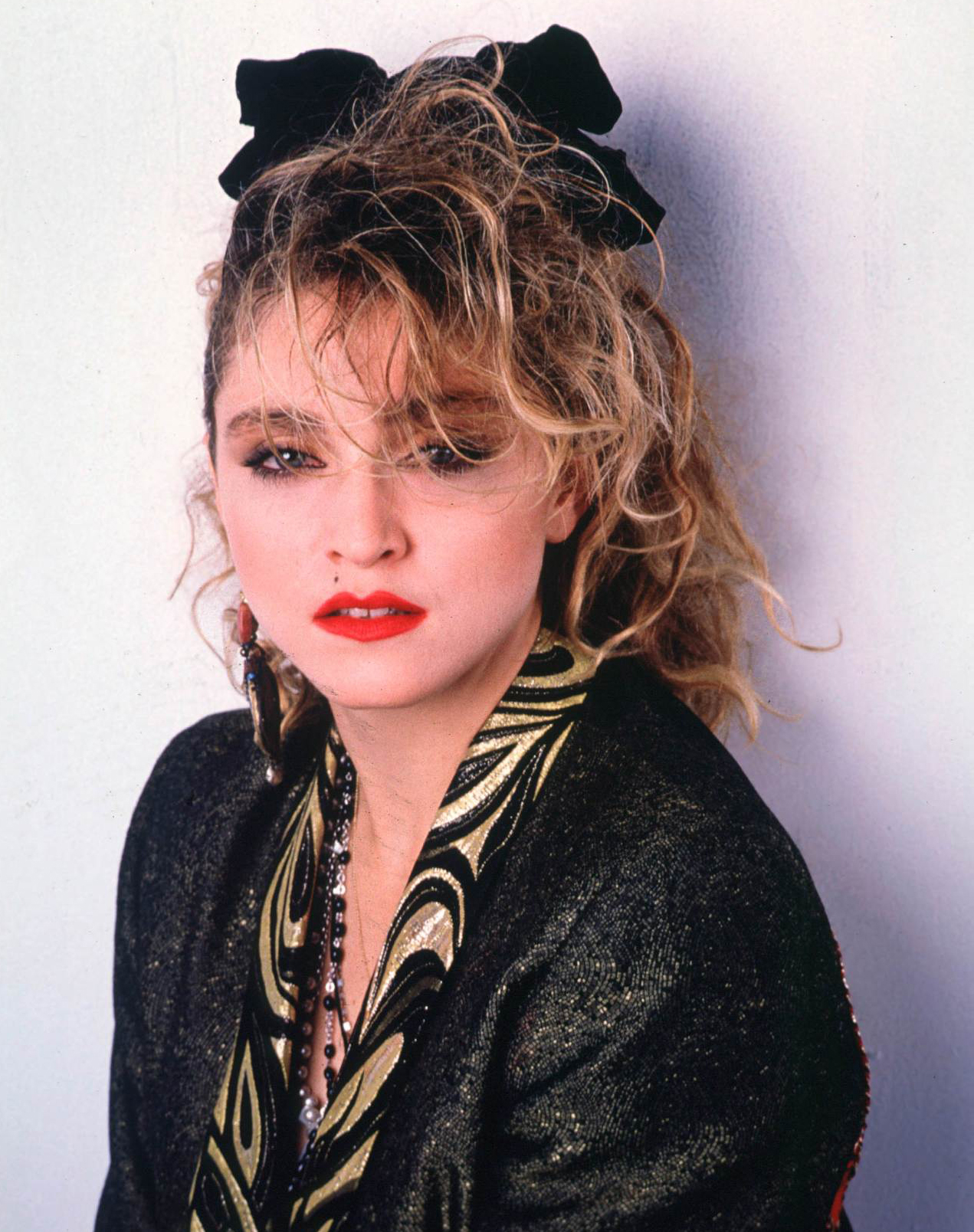 madonna_into_the_groove_1985