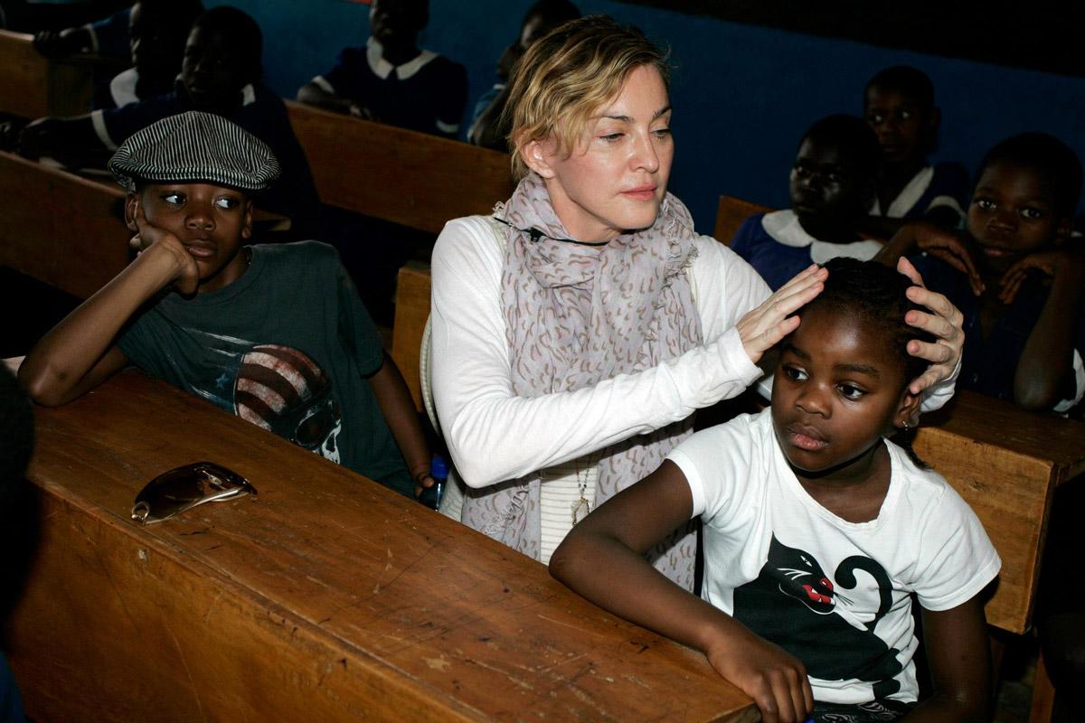 Madonna'nın Malawi'deki yardım çalışmaları riske mi atıldı?